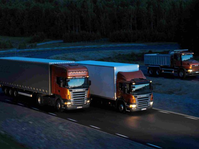 http://www.gisans.it/wp-content/uploads/Three-orange-Scania-trucks-640x480.jpg